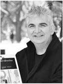Yazar resmi Nik Mahon