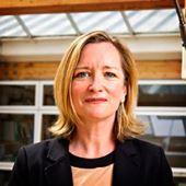 Yazar resmi Lorraine Farrelly